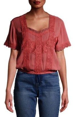 No Boundaries Juniors' Flutter Sleeve Blouse