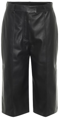 Common Leisure Leather Bermuda shorts