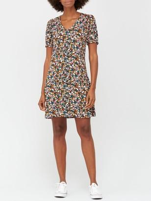 Very V-neck Fit & Flare Jersey Mini Dress - Floral Print