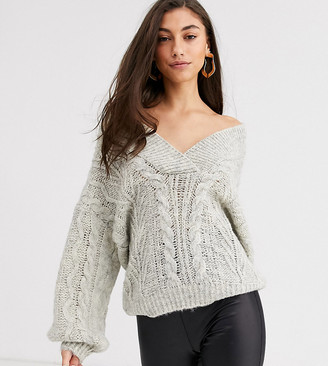 Asos Tall DESIGN Tall oversized v neck chunky cable jumper-Grey