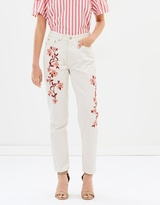 Isla Embroidered Mom Jeans