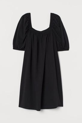 H&M Puff-sleeved Dress - Black