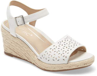 Vionic Ariel Perforated Wedge Sandal