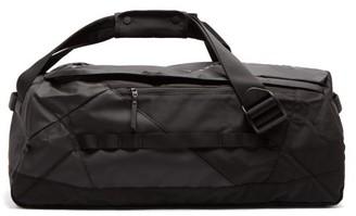Peak Performance Vertical Logo-print Shell Duffle Bag - Mens - Black