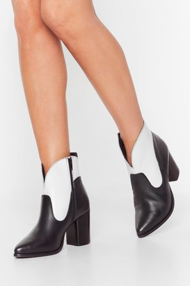 Nasty Gal Womens Curve the Haters Two-Tone Leather Boots - Black - 3