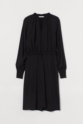 H&M MAMA Viscose Nursing Dress