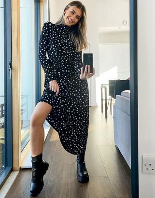 Pieces Asta star print midi dress in black