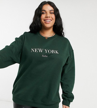 In The Style Plus x Lorna Luxe Exclusive New York oversized sweatshirt top in emerald green