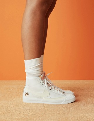 Nike Blazer Mid 77 trainers in heritage white