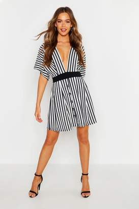 boohoo Kimono Sleeve Button Skater Dress