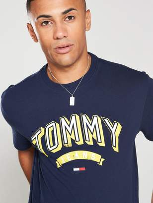 Tommy Jeans Essential 3d Logo T-Shirt - Black Iris