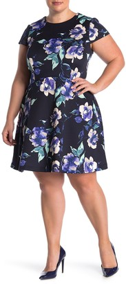 Vince Camuto Short Sleeve Floral Scuba Knit Dress (Plus Size)