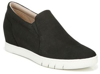Naturalizer Kaya Slip-On Sneaker