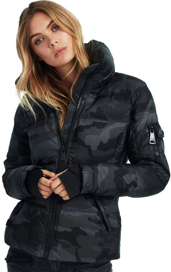 Camo Freestyle Down Jacket - Women`s