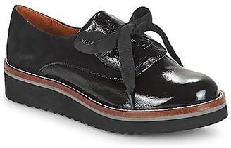 Betty London JOUTAIME women's Casual Shoes in Black