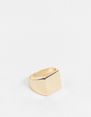 Pieces signet ring in gold