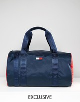 Tommy Hilfiger Retro Duffel Exclusive To ASOS In Navy
