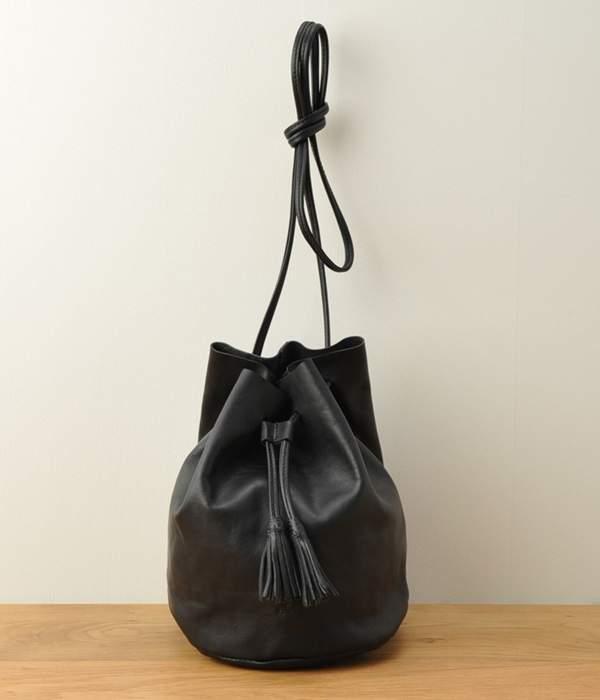 CI-VA (チーバ) - 巾着型レザーショルダーバッグ(ブラック)