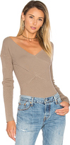 525 America Rib Double V Criss Cross Sweater in Gray. - size L (also in )