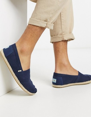 Toms espadrilles in navy linen with rope detail