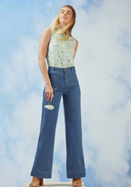 ModCloth A Nudge of Nostalgia Jeans in L