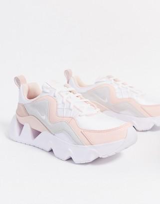 Nike Ryz 365 sneakers in pink