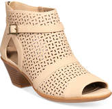 Easy Street Shoes Carrigan Sandals