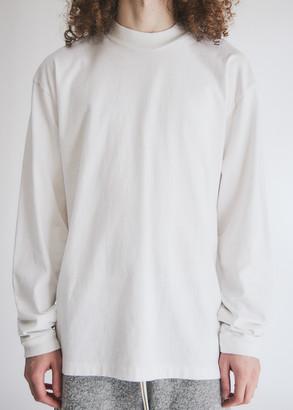 John Elliott Men's 900 Long Sleeve Mock T-Shirt in White, Size Small | 100% Cotton