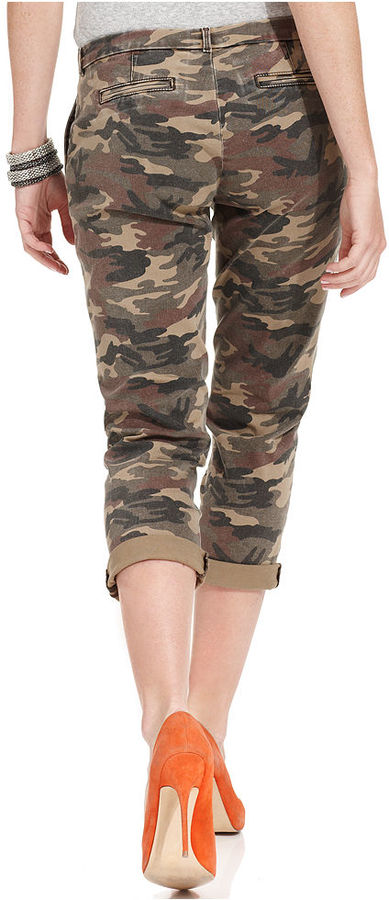 KUT from the Kloth Gwen Cuffed Camouflage-Print Capri Jeans