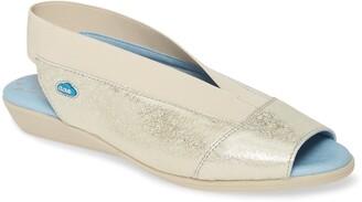 CLOUD Caliber Slingback Sandal