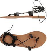 Polder Toe strap sandals