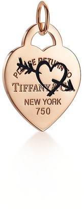Tiffany & Co. Return to TiffanyTM Etched heart and arrow tag charm in 18ct rose gold, large