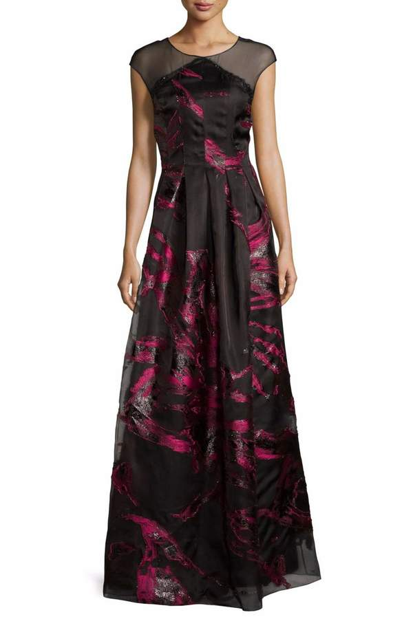 Kay Unger New York Fille Coupe Gown