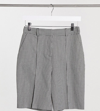 Topshop Petite check short in mono