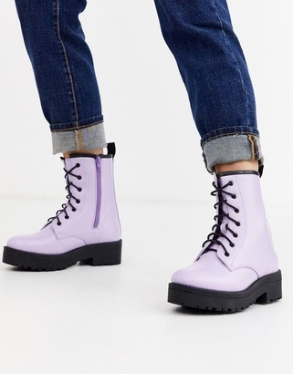 Truffle Collection military boot in lilac-Purple