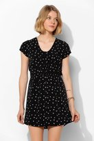 Babydoll Cooperative Daisy Button-Front Dress