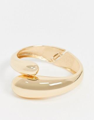 Monki Harper chunky bracelet in gold