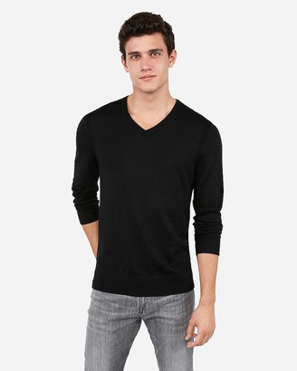 Express Merino Wool-Blend Thermal Regulating V-Neck Sweater