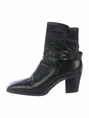 Chanel Interlocking CC Logo Leather Boots Black