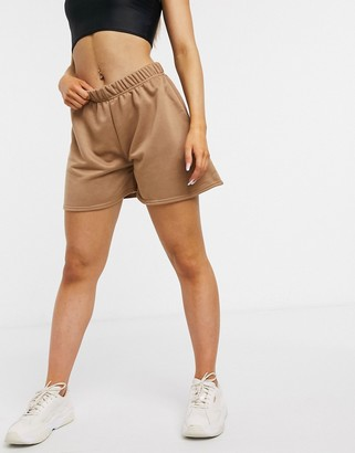 I SAW IT FIRST highwaisted jersey short in caramel