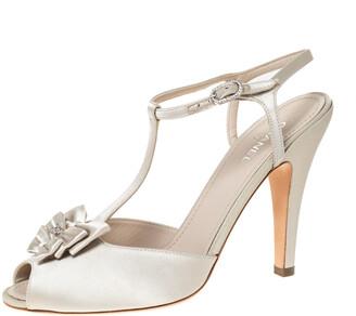 Chanel Cream Satin T Strap CC Bow Peep Toe Ankle Strap Sandals Size 40
