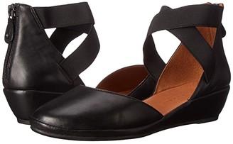 Gentle Souls by Kenneth Cole Noa (Chestnut Nubuck) Women's Shoes