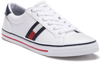 Tommy Hilfiger Oneas Lace-Up Sneaker