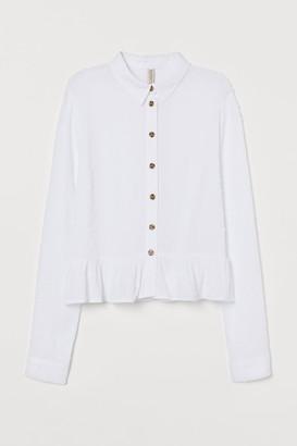 H&M Flounced plumeti blouse