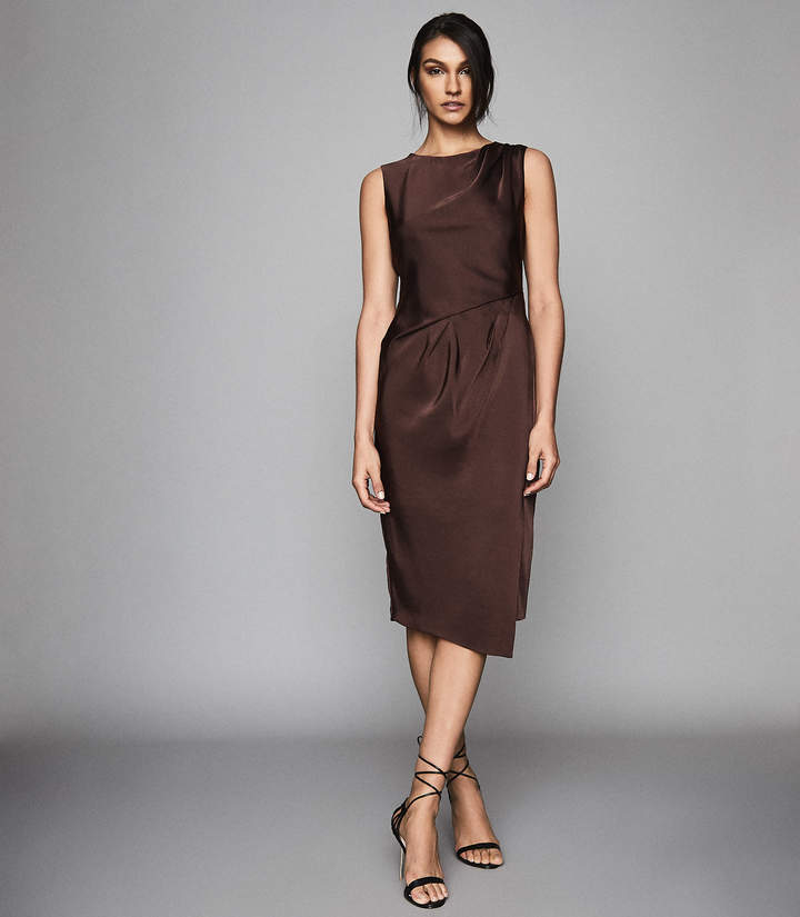 Reiss JULIETTA PLEAT DETAILED MIDI DRESS Chocolate