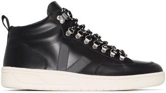 Veja Roraima high-top sneakers