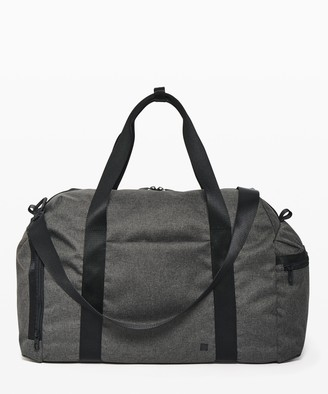 Lululemon Command The Day Duffel *37L