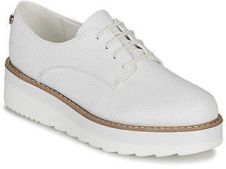 Xti women's Casual Shoes in White