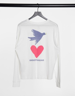 Levi's graphic oversized long sleeve tee in white