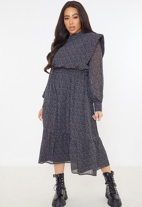 Missguided Plus Size Black Star Print Lipped Shoulder Pad Midi Dress